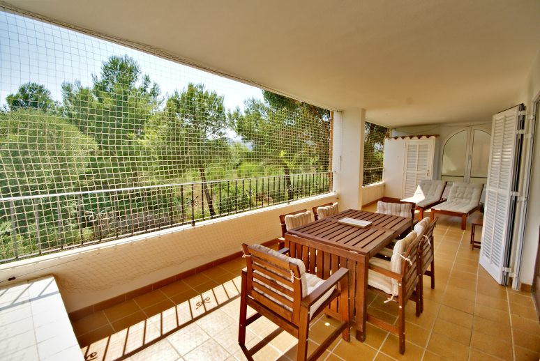 Located in a quiet urbanisation of Puerto Pollensa, we find this first floor flat tastefully renovat, Spain