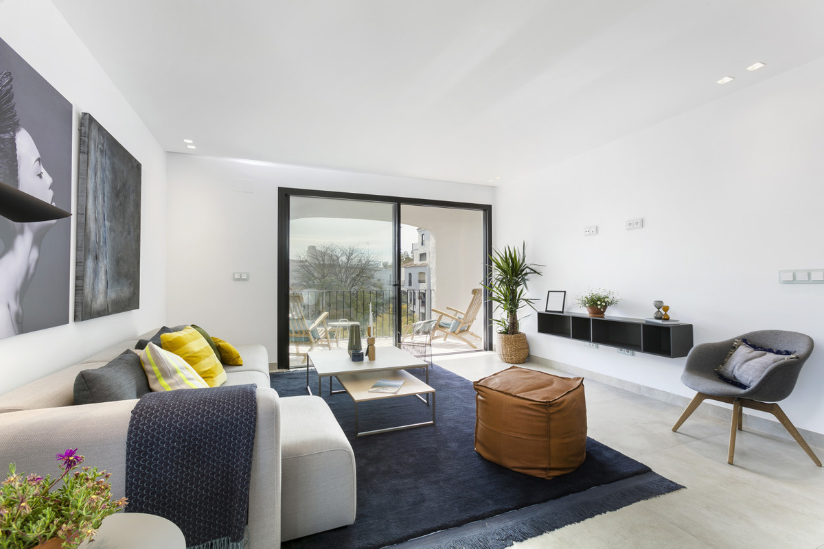 STUNNING BRAND NEW APARTMENT IN THE HEART OF PUERTO BANUS! This is one of six brand new luxury apart,Spain