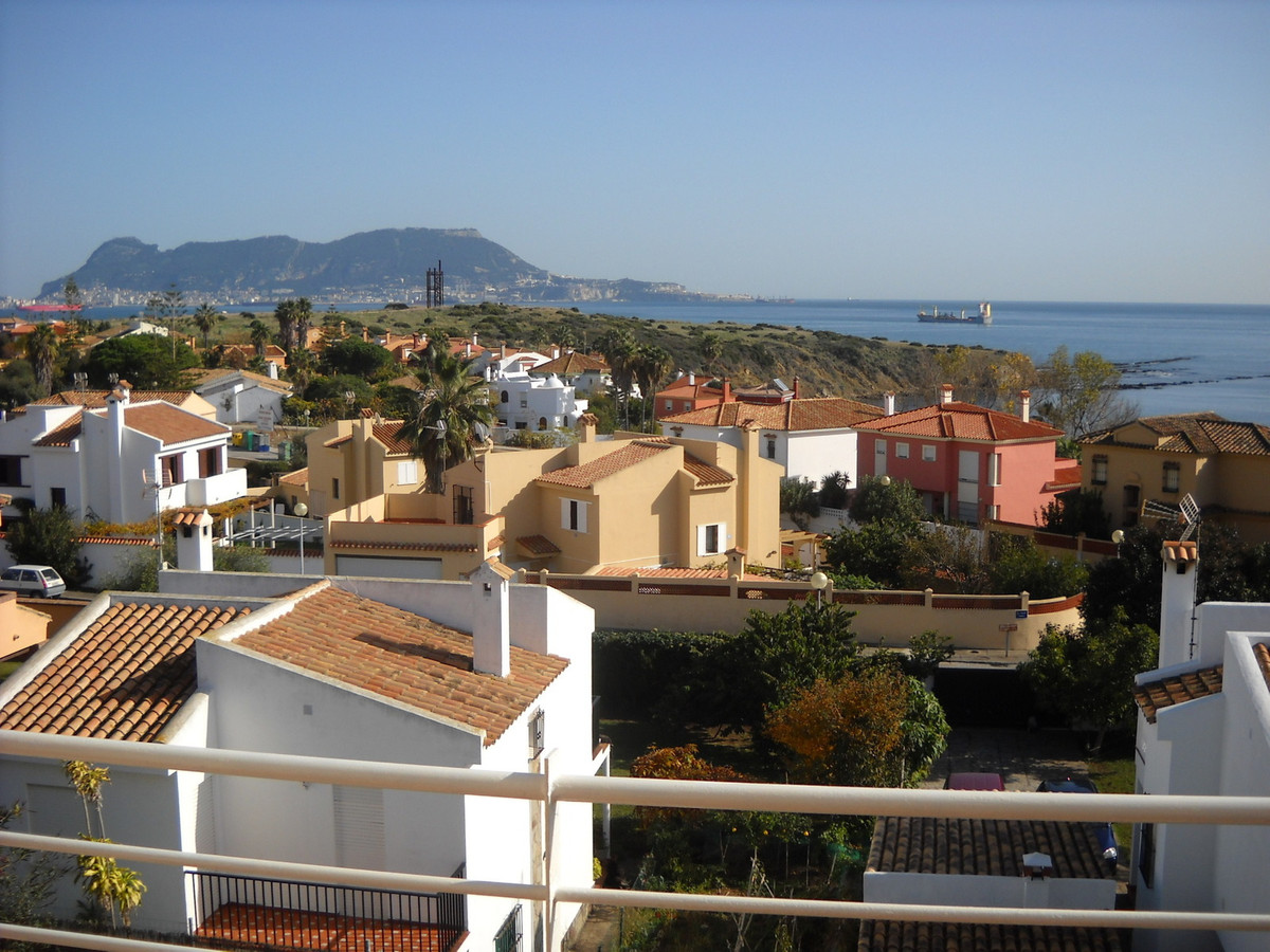 House in Algeciras R3033569 3