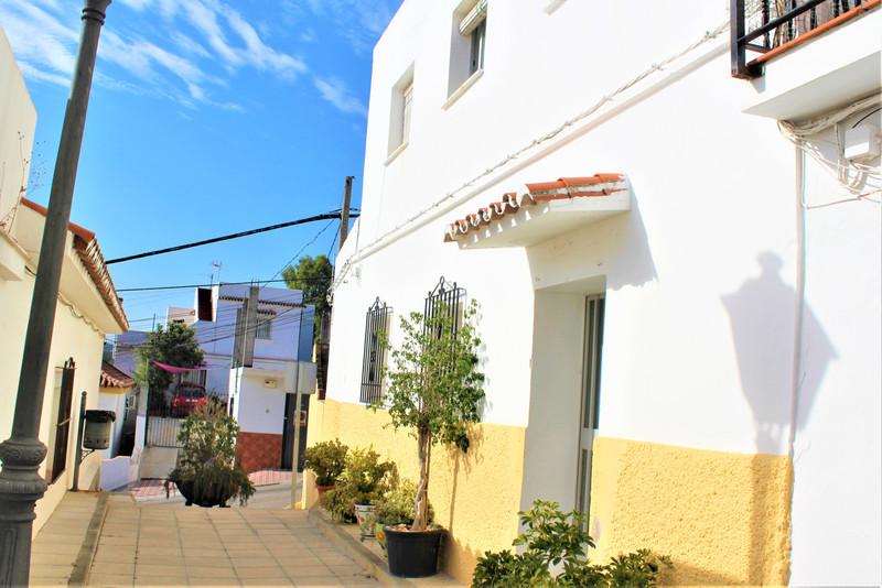 Semi-Detached House in San Enrique for sale