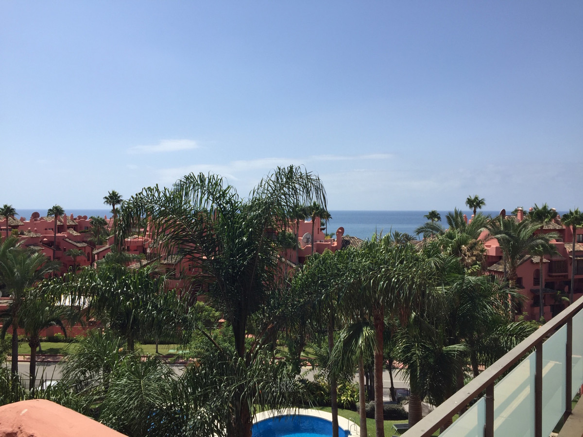 SEA FRONT - NEW GOLDEN MILE  Corner apartment with stunning views from the third floor. It has 3 bed,Spain