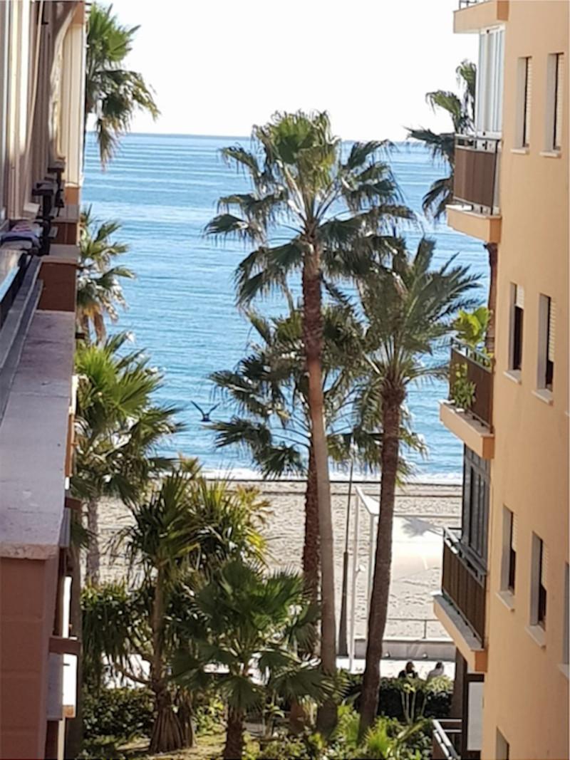 Apartamento Planta Media en venta en Estepona – R3473266