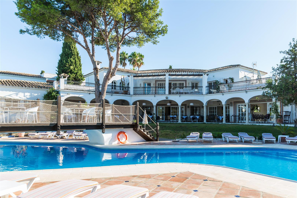 El Paraiso Country Club: Aparthotel, Restaurant and Country Club with Pool and Spa Area.  High quali, Spain