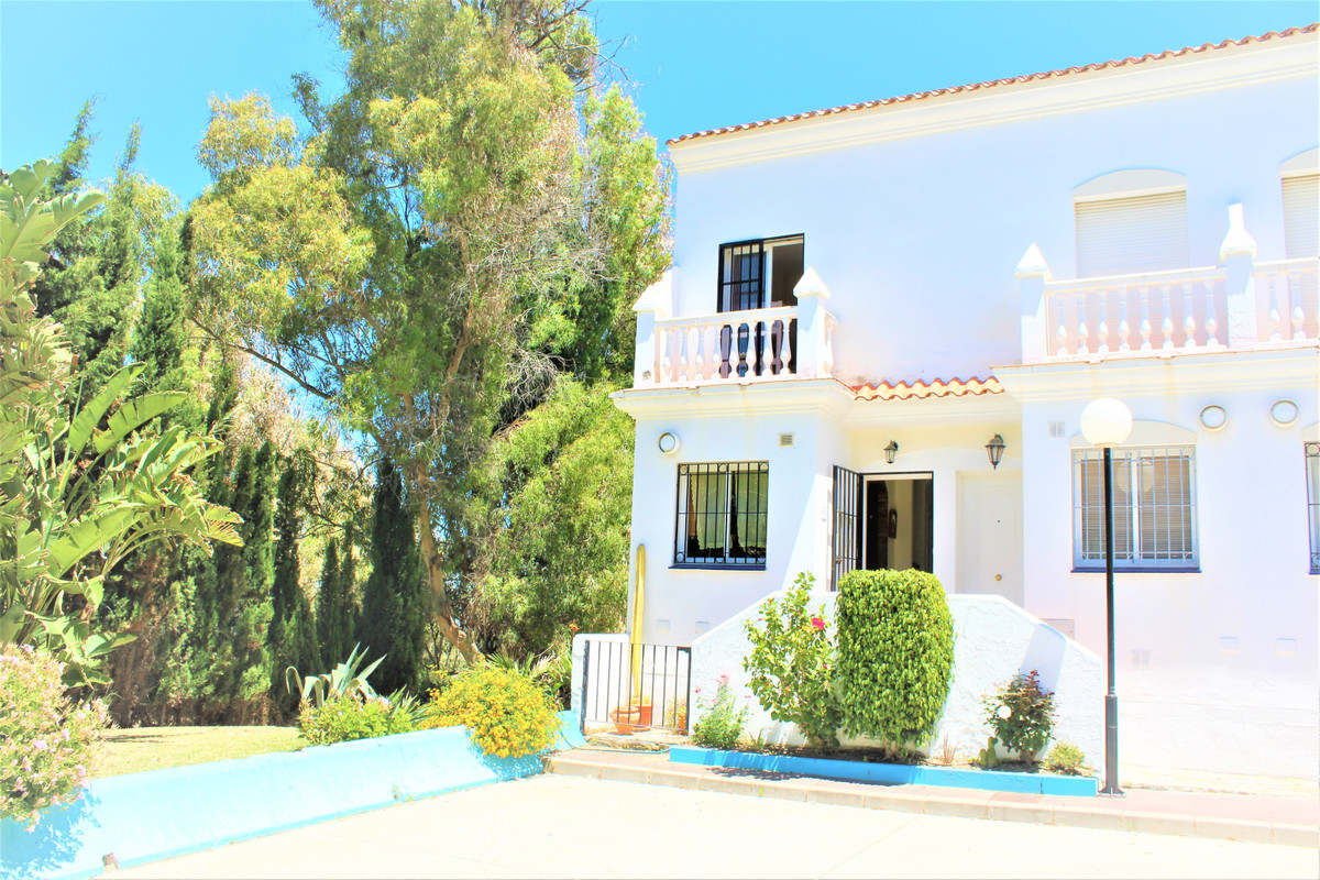 Villa, Semi Detached  for sale    en Manilva