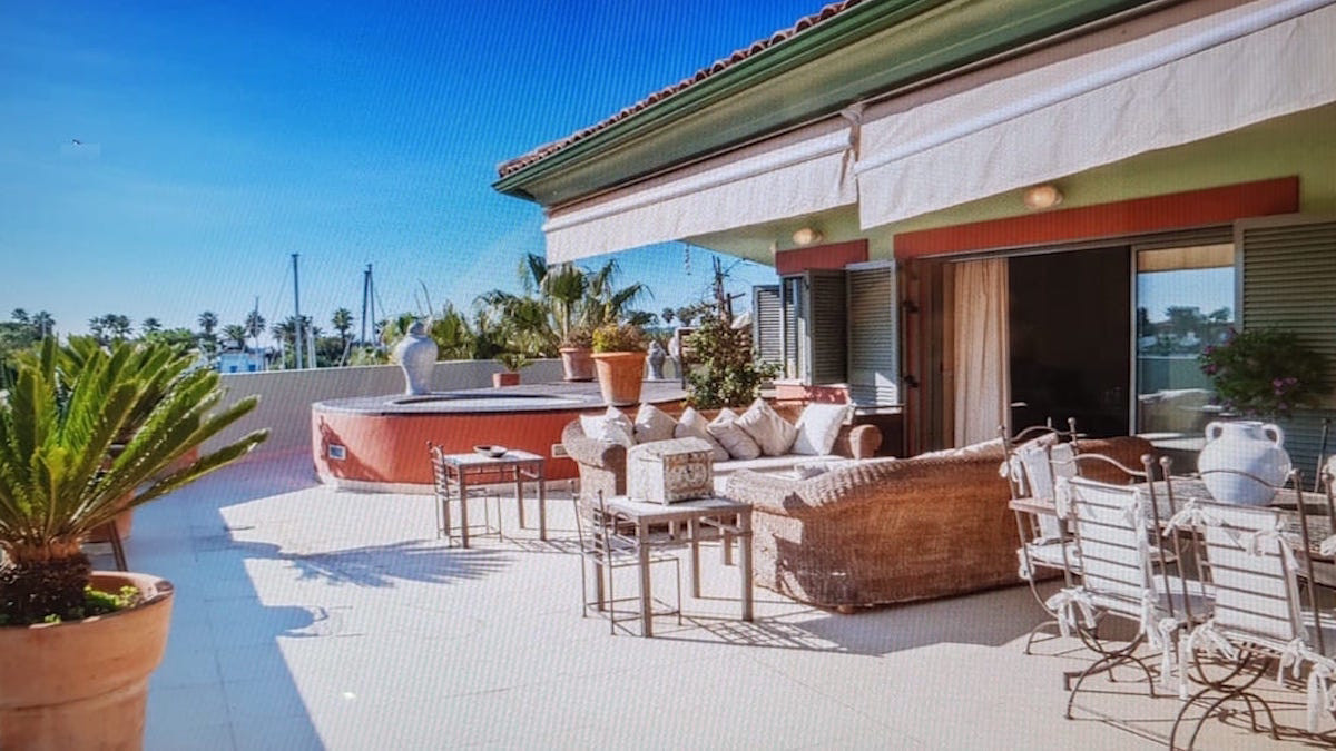 Penthouse, Sotogrande, Costa del Sol. 5 Bedrooms, 4 Bathrooms, Built 300 m², Terrace 140 m².  Settin, Spain