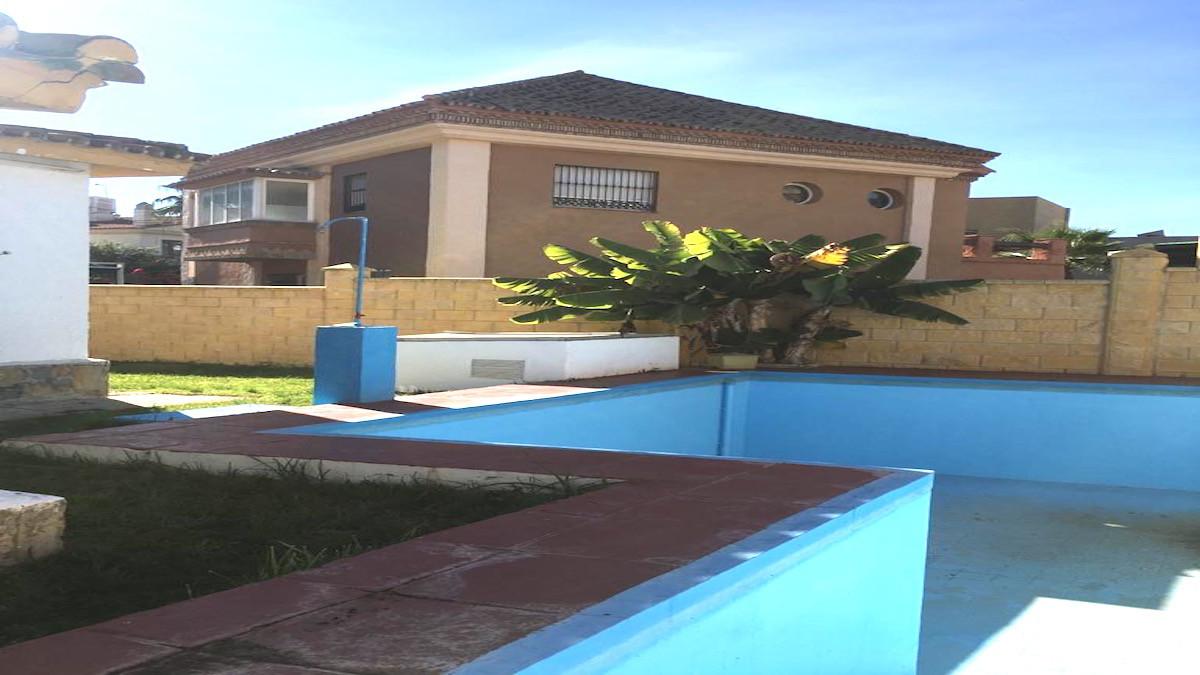 Detached Villa, San Pedro de Alcantara, Costa del Sol. 5 Bedrooms, 2 Bathrooms, Built 190 m², Terrac,Spain