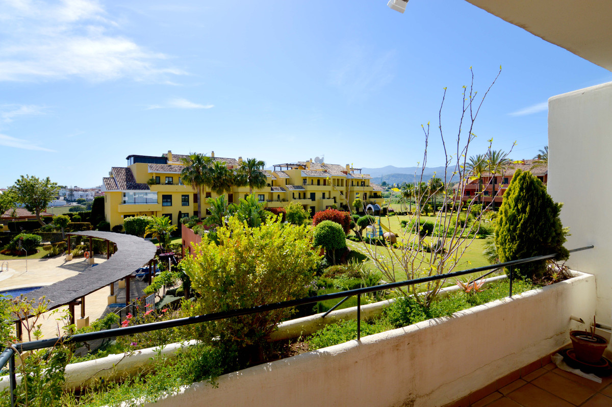 Spacious apartment with large terrace overlooking the sea, the swimming pools and the beautiful well,Spain