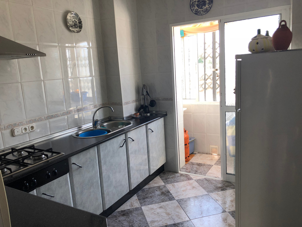 3 Bedroom Middle Floor Apartment For Sale Ronda