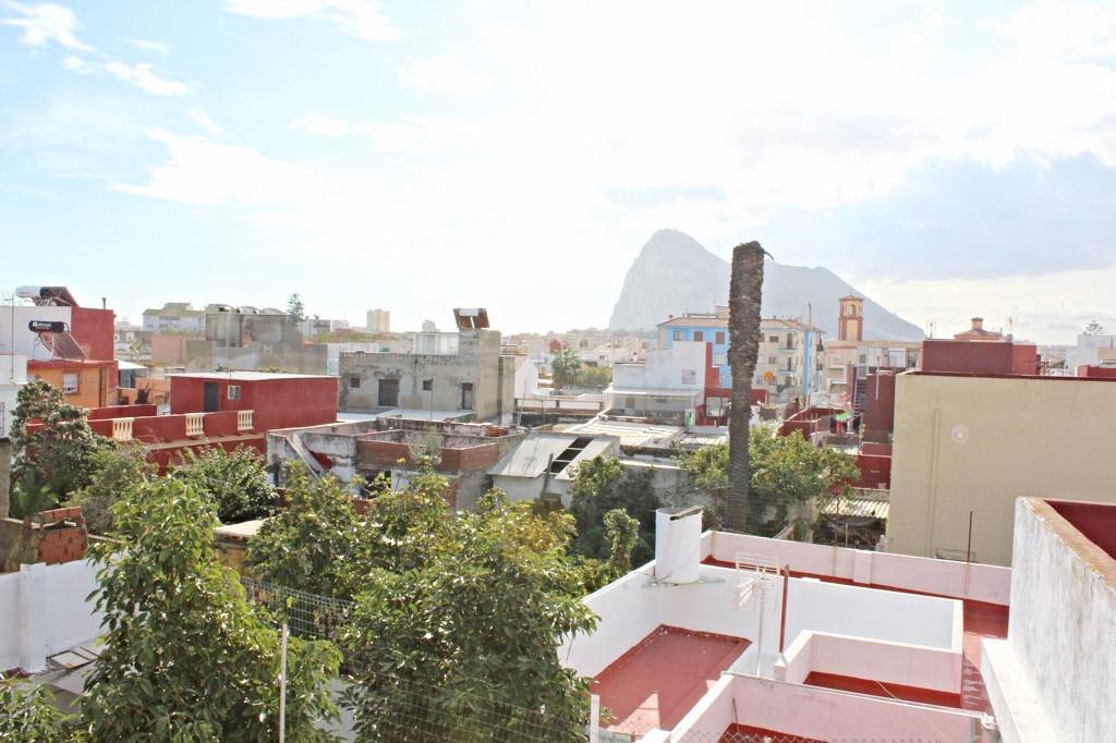 R3319771: Townhouse for sale in La Línea
