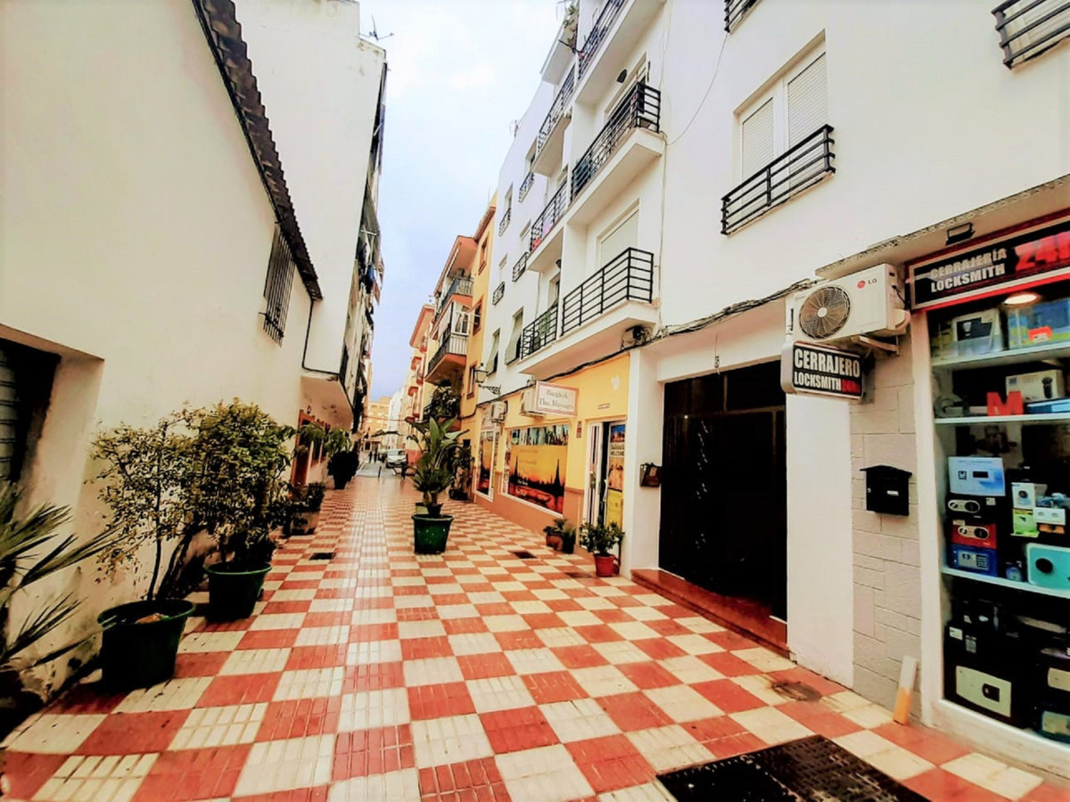 Ideal for those under 35 years of age because of the tax reduction! Take the chance. Live next to th,Spain