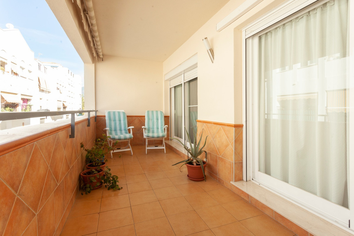 Spacious family apartment located in the sought after area of Fuentenueva. This area is very well lo, Spain