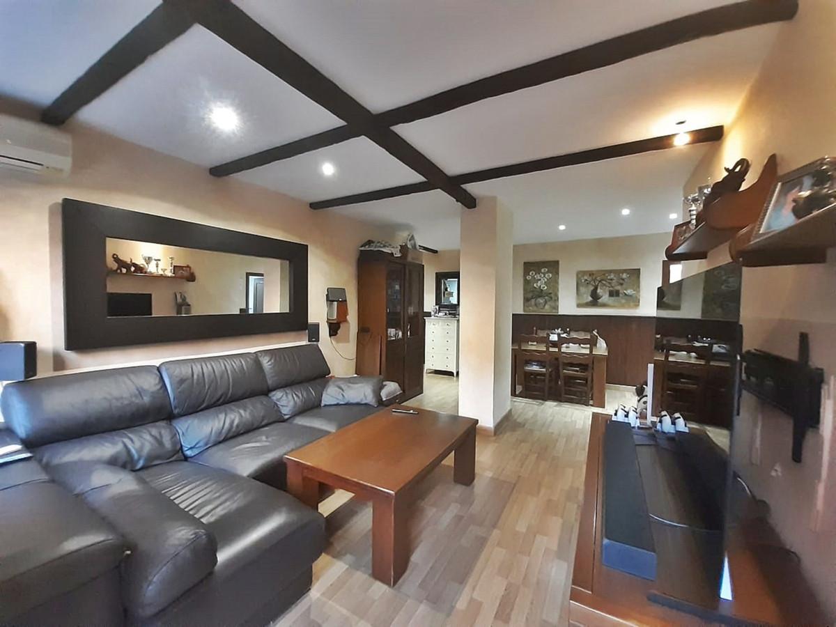 Marbella Banus Apartamento en Venta en San Pedro de Alcántara – R3922225