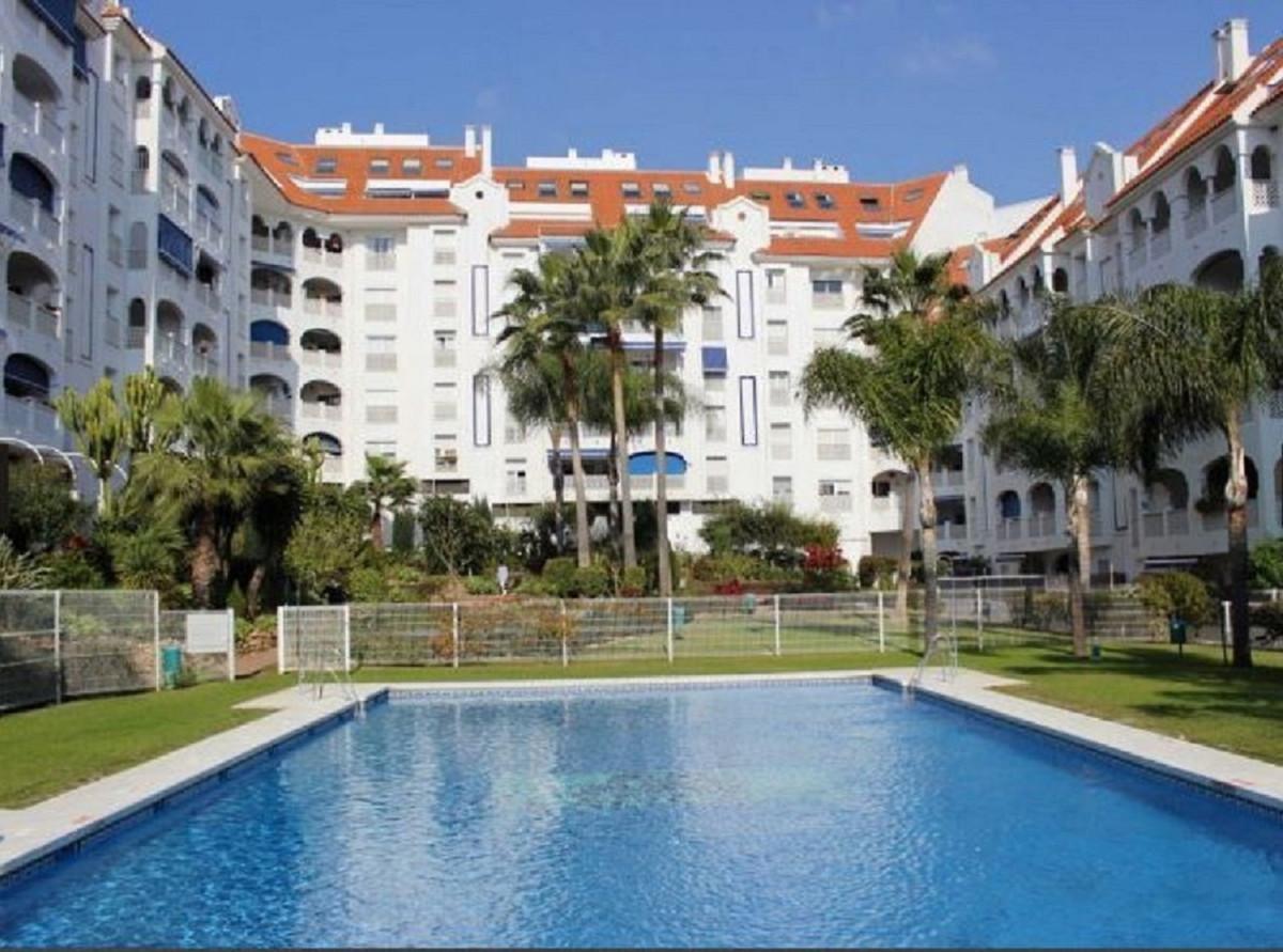 Marbella Banus Apartamento en Venta en San Pedro de Alcántara – R3748309