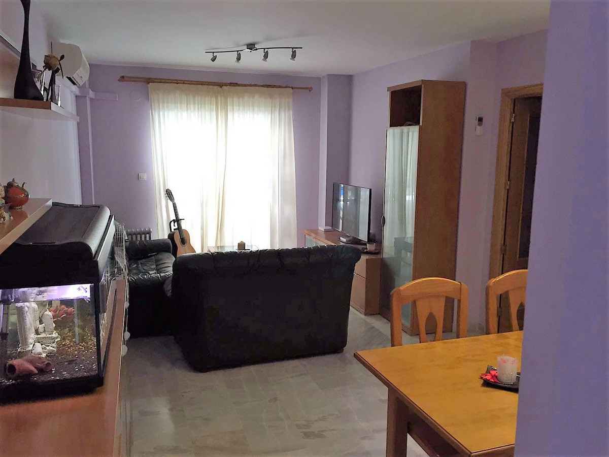 Large apartment in San Pedro Alcantara, in the area of Fuente Nueva, surrounded by all kinds of serv, Spain