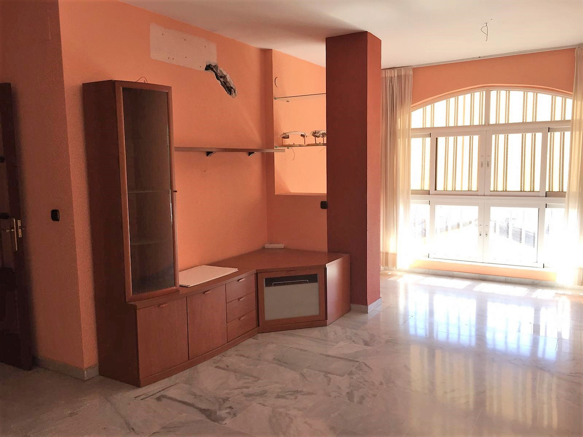 BANK OPPORTUNITY! Apartment in Las Lagunas, district Mijas, with all necessary services for daily us,Spain