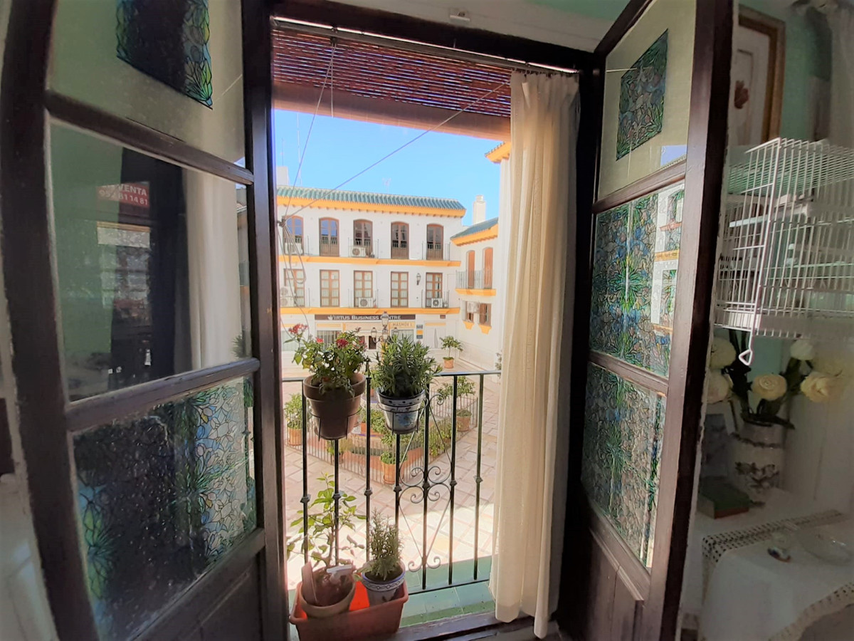 Charming apartment located in the heart of San Pedro. Originally it was open plan, currently living , Spain