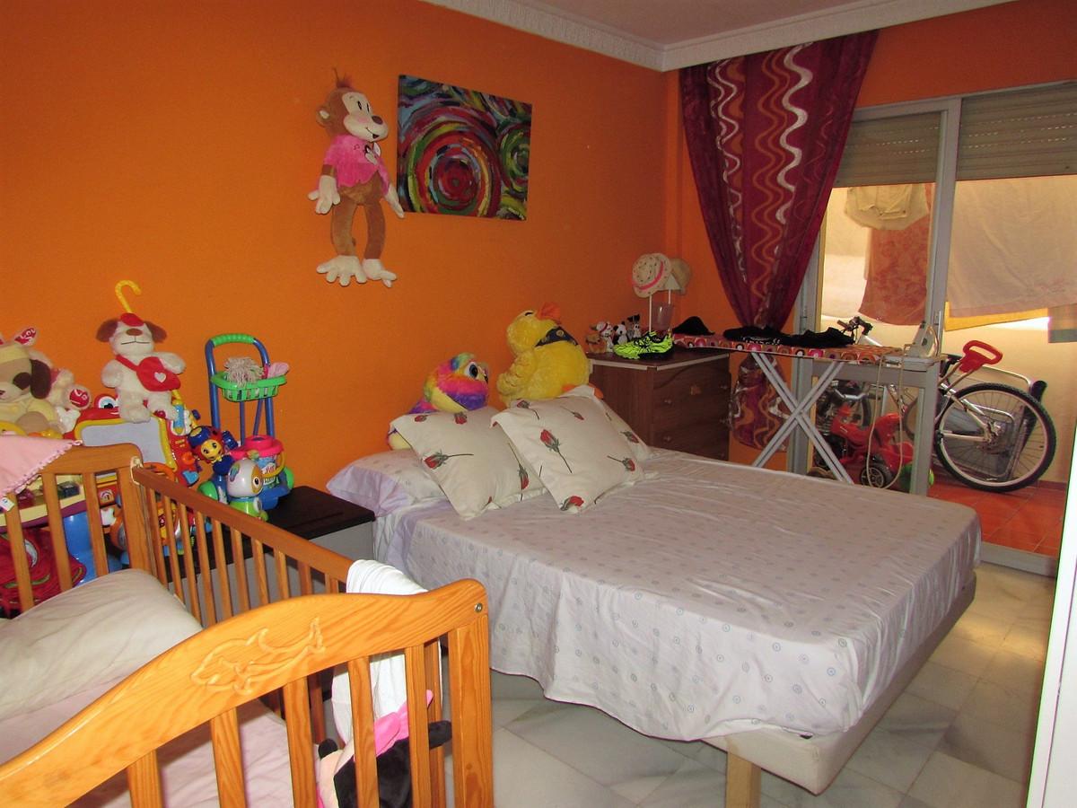 Apartamento Planta Media en Venta en San Pedro de Alcántara – R3380266