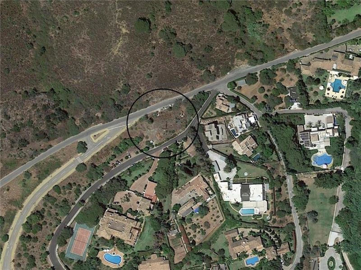 BANK OPPORTUNITY! Plot of commercial use at the edge of the road in a highly sought-after area of Ma, Spain