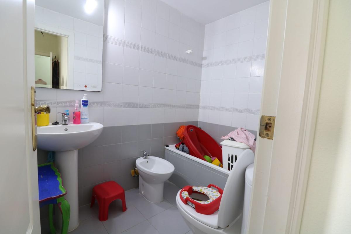 3 Dormitorio Planta Media Apartamento En Venta Nueva Andalucía