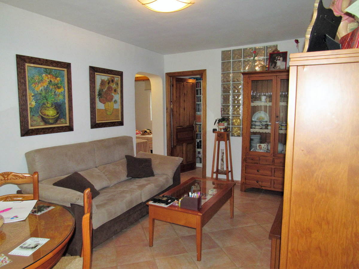 Nice apartment in ground floor placed in La Campana, a zone of Nueva Andalucia with all kinds of ser,Spain