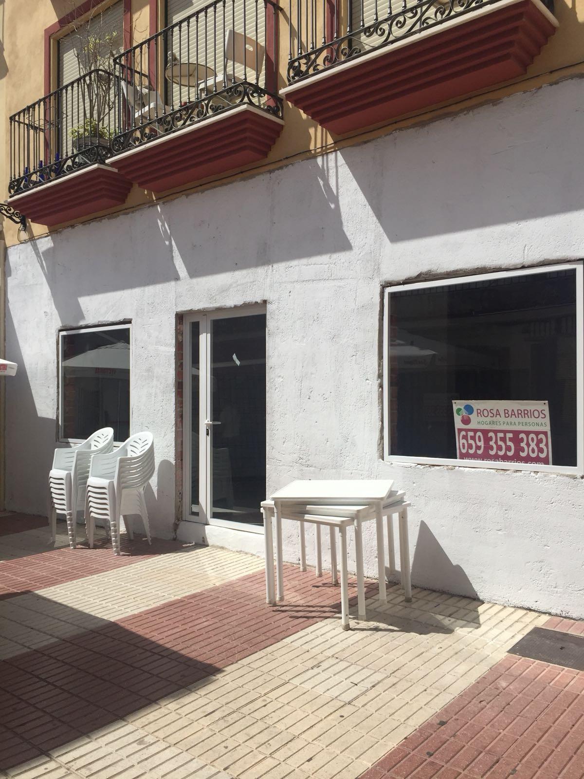 Commercial premises in the center of San Pedro Alcantara 45m2 semi - crude, prepared to open a resta,Spain