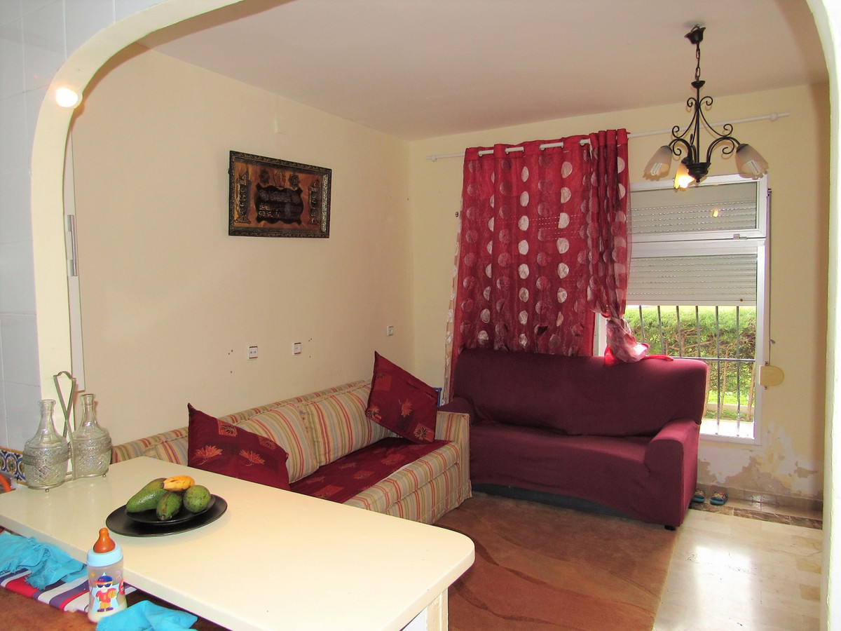 Bright apartment on the beach of San Pedro Alcantara, a privileged place. The apartment is located o,Spain