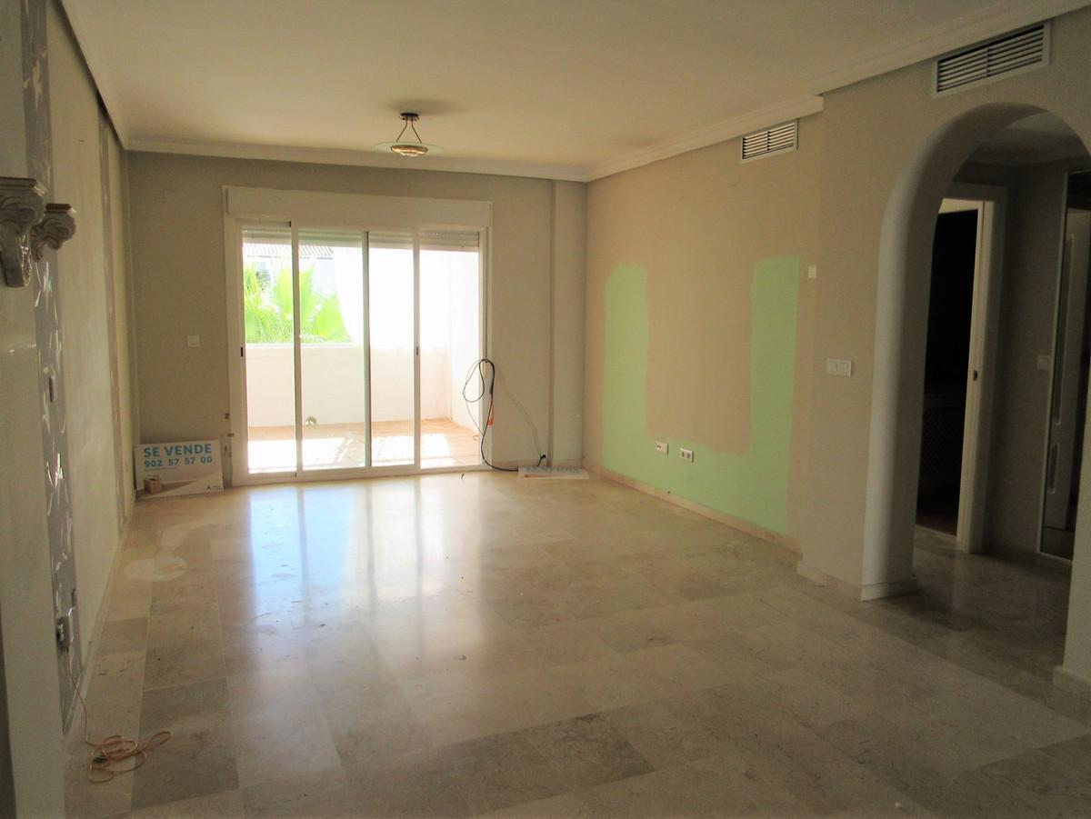 Apartamento con 2 Dormitorios en Venta Benamara