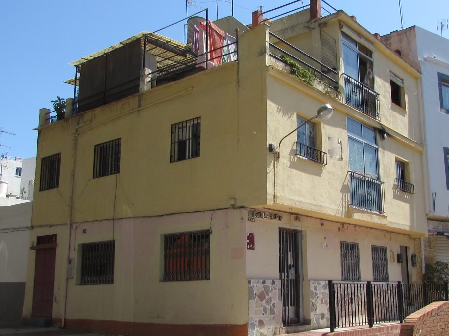 Wide house (Casamata) in Divina Pastora, San Pedro, doing corner and closely together of all the nec, Spain
