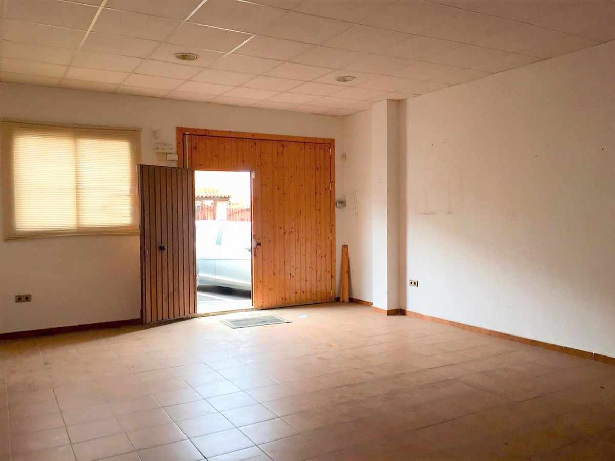 Commercial  Commercial Premises 													for sale  																			 in Las Lagunas