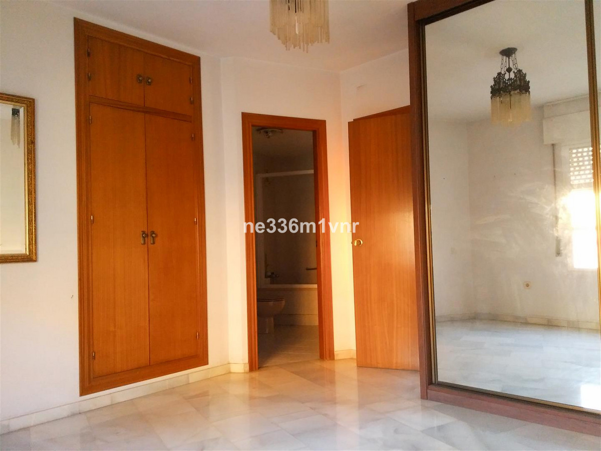 GREAT ATTIC OPPORTUNITY EXTREMELY 7 MINUTES FROM THE HISTORICAL CENTER!  The property consists of 12,Spain