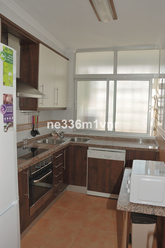 MAGNIFICENT FLOOR WITH 6 MIN WALKING FROM THE HISTORICAL CENTER!  Two bedroom apartment (originally ,Spain