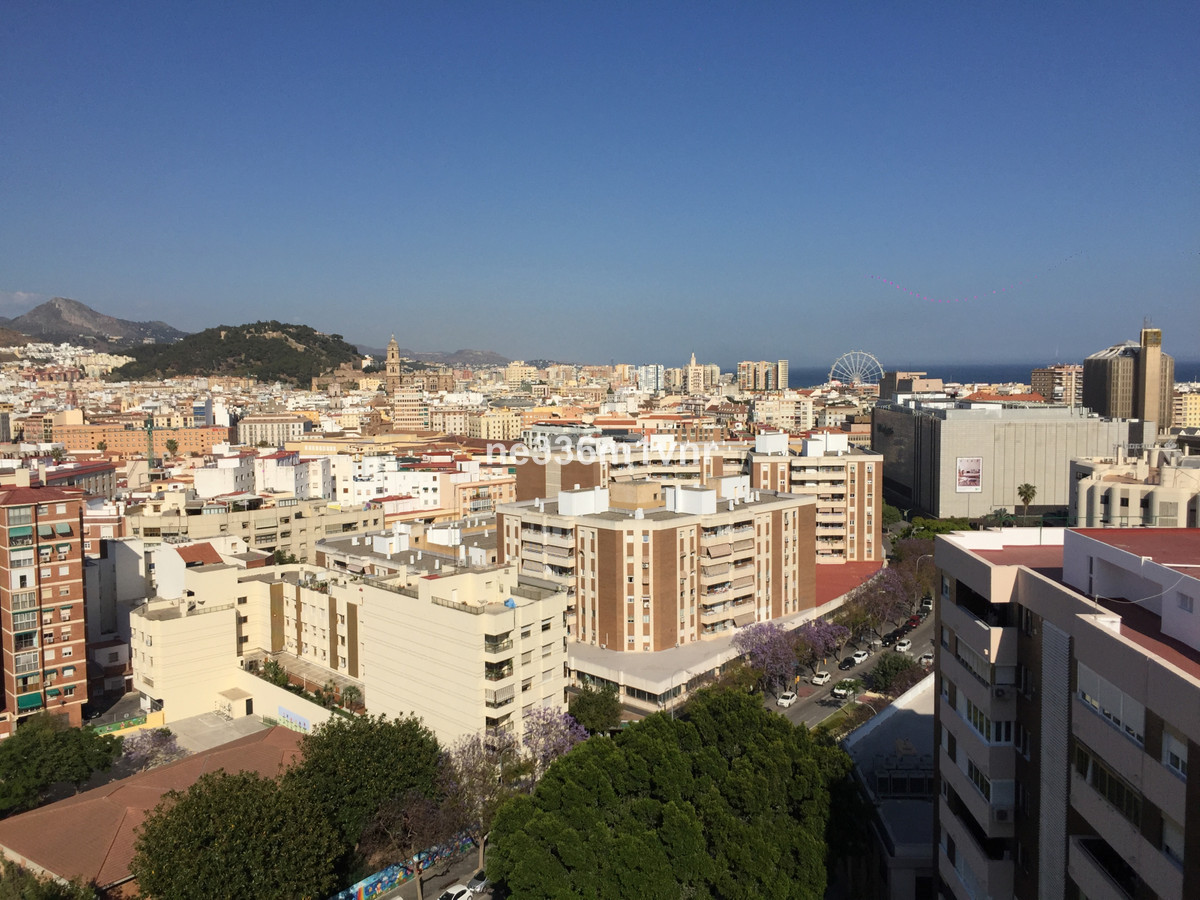 INVESTMENT OPPORTUNITY NEXT TO THE ENGLISH COURT!  Very close to the centre of Malaga. Next to the E,Spain
