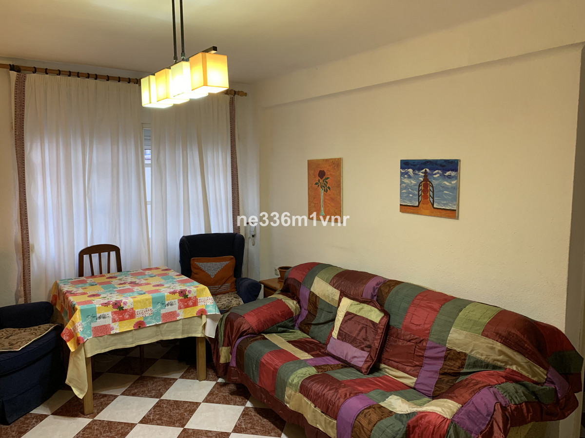 EXCELLENT FLOOR NEXT TO THE ENGLISH CUT!  The property consists of 60 m2, distributed in 2 bedrooms,,Spain