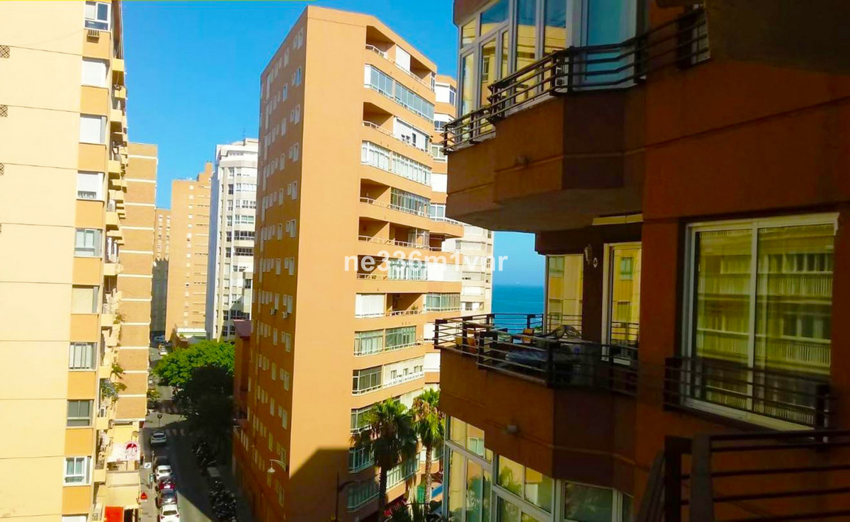 IN ONE OF THE BEST AND RENOWNED AVENUES OF THE MALAGUETA!  The property consists of 164 m2 distribut,Spain