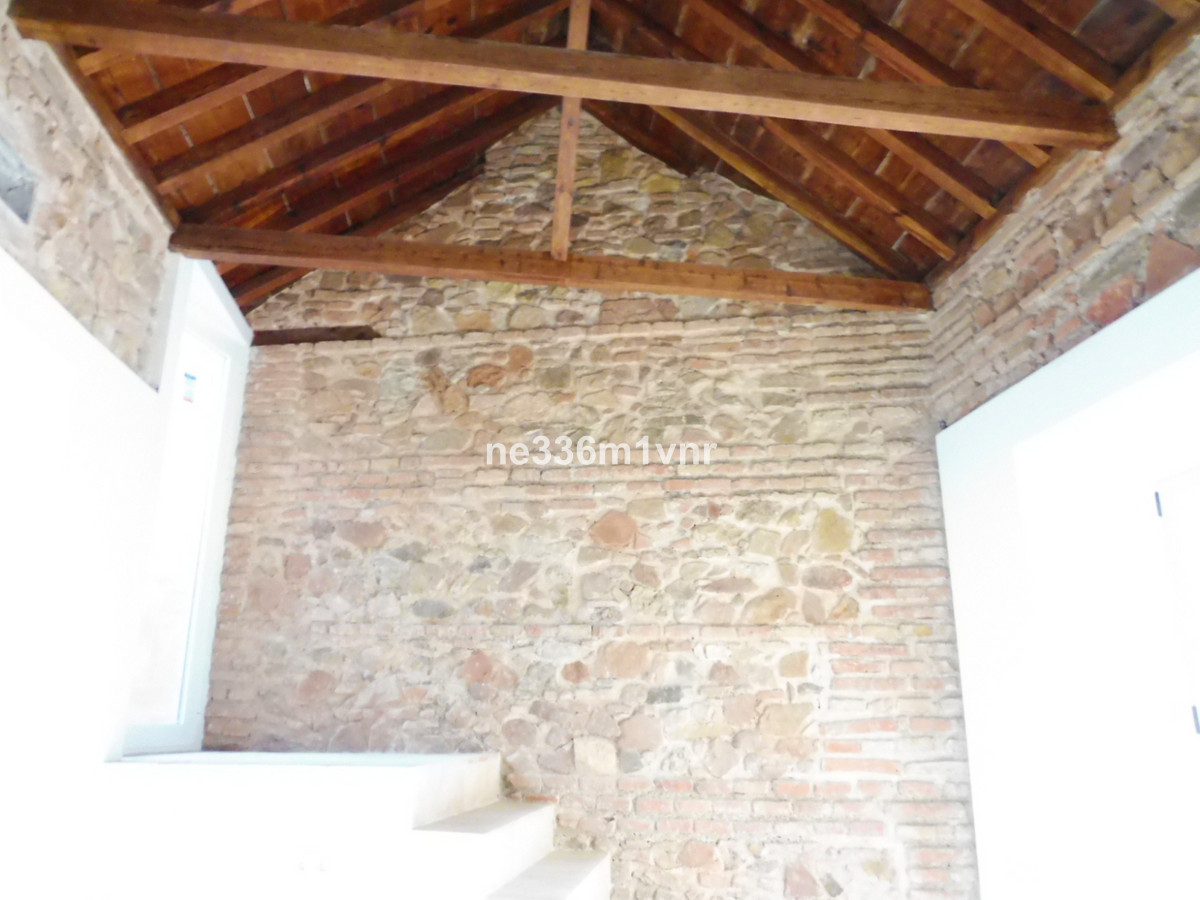 DUPLEX WITH TERRACE OF NEW CONSTRUCTION IN HISTORICAL CENTER!  The property consists of 125 m2, dist,Spain