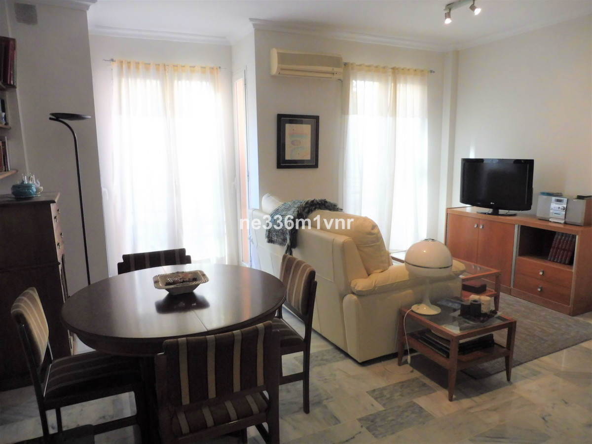 SPECTACULAR APARTMENT 10 MINUTES FROM THE HISTORICAL CENTER!  The property consists of 65 m2 distrib, Spain