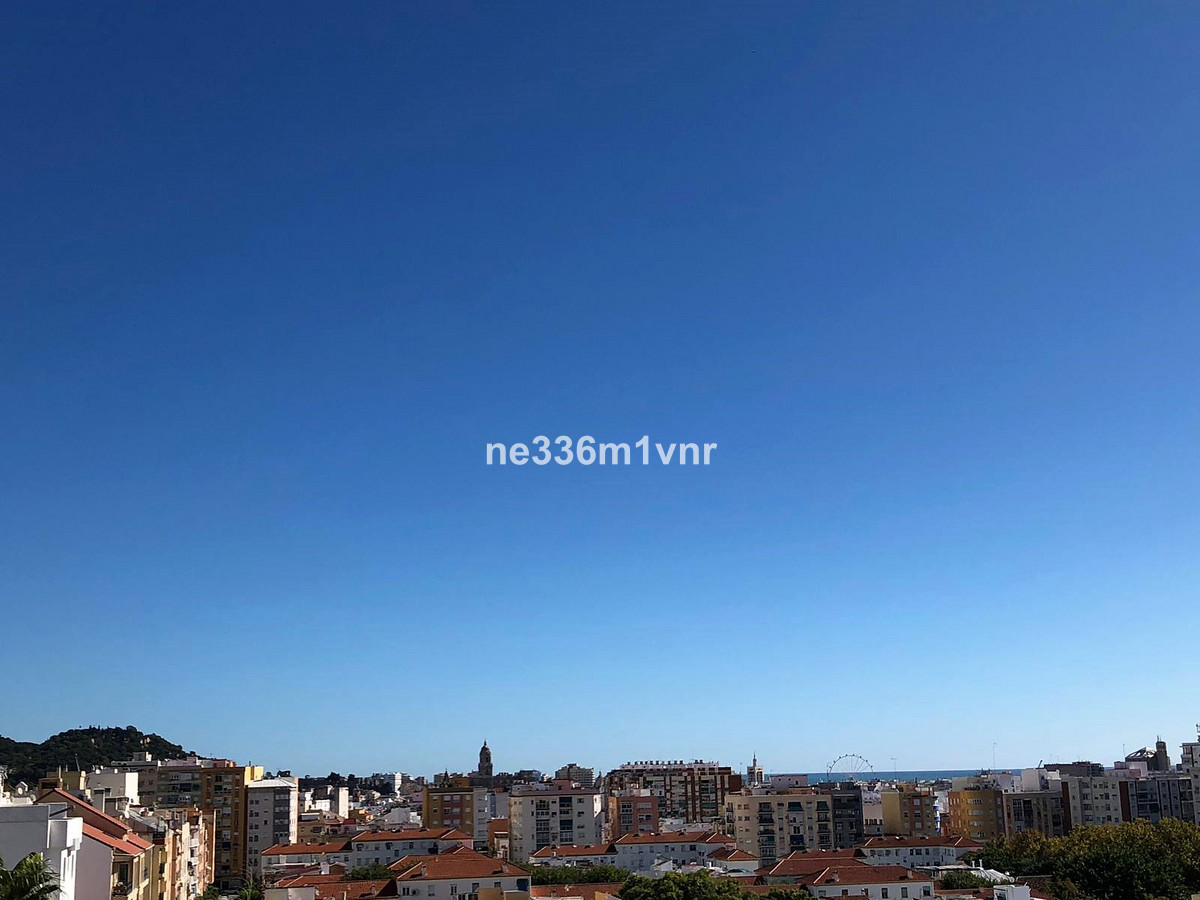 SPECTACULAR RENOVATED STUDIO WITH A LARGE TERRACE!  It is a newly renovated studio of 40 m2 with a l,Spain