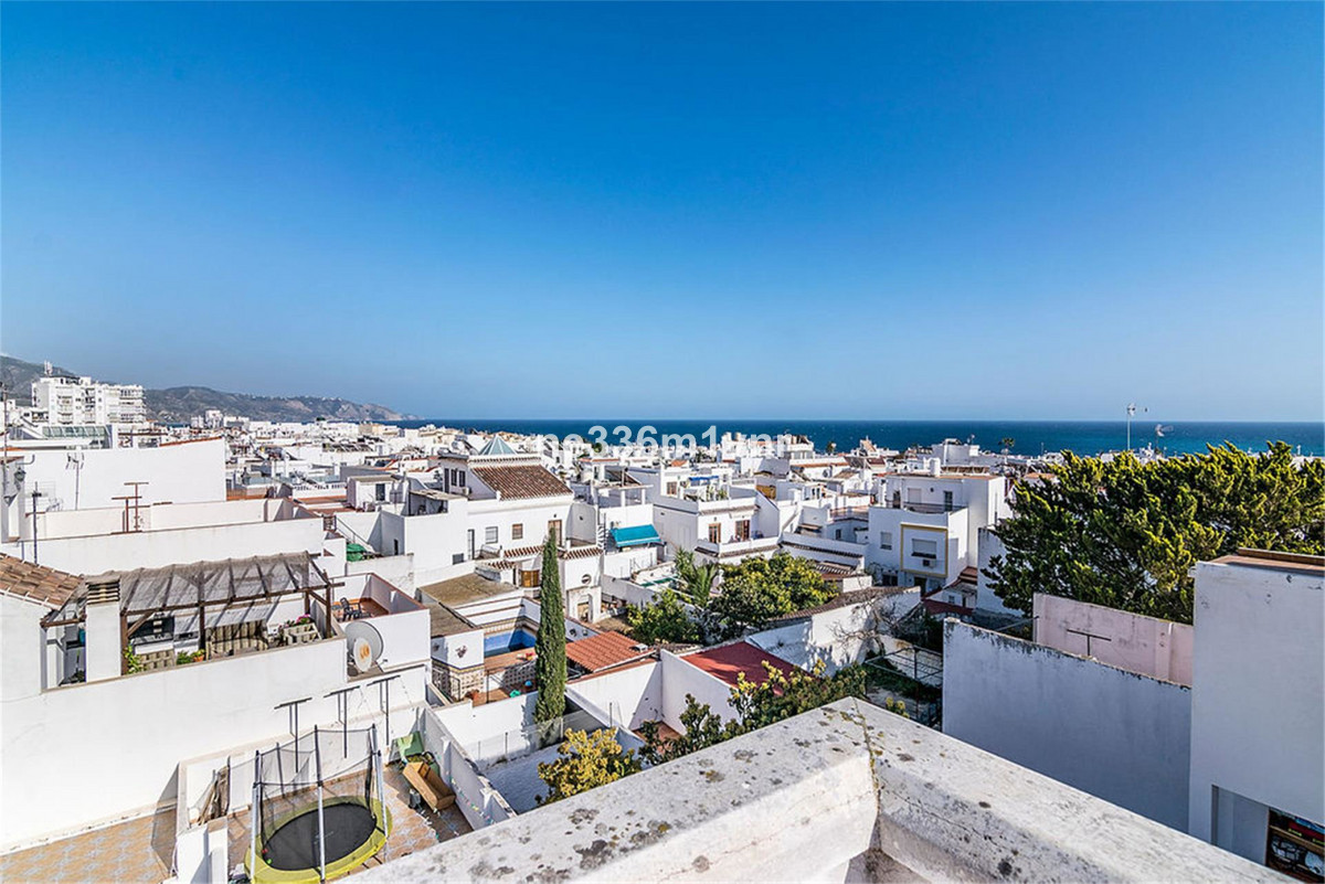 MAGNIFICENT BRAND NEW BUILDING 5 MINUTES FROM THE BALCONY OF EUROPE!  It is a small two-storey build,Spain