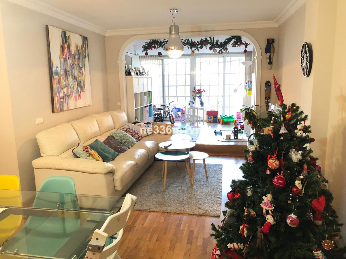 FANTASTIC FLAT IN THE CENTER OF MALAGA AND ONLY 10 MINUTES FROM THE BEACH!   The property consists o,Spain