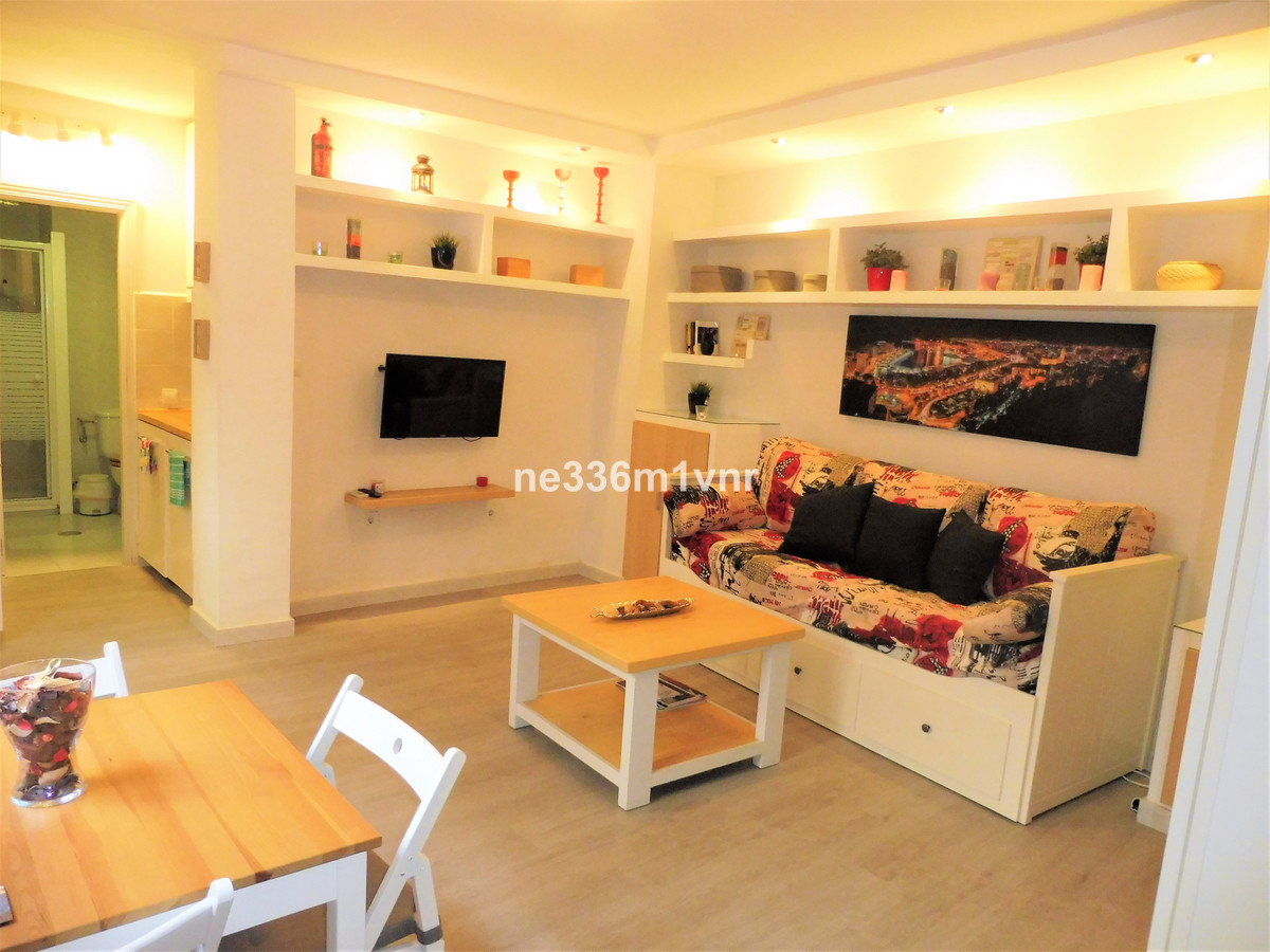 STUDIO REFORMED IN THE HEART OF THE HISTORICAL CENTER!  The studio has 30 m2, the kitchen is fully e,Spain