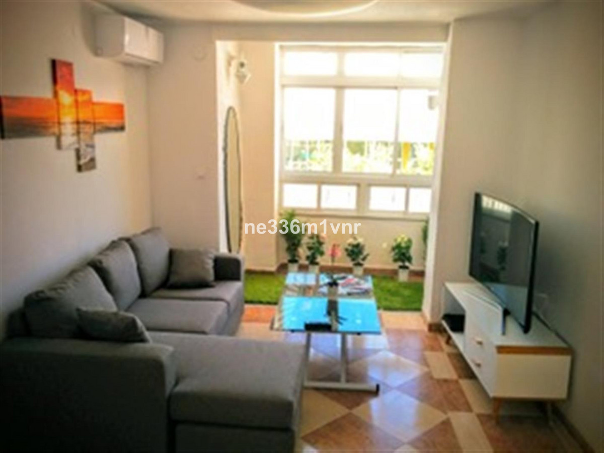 SPECTACULAR FLAT IN HISTORICAL CENTER!  The property consists of 95 m2 distributed in 4 bedrooms, 2 ,Spain