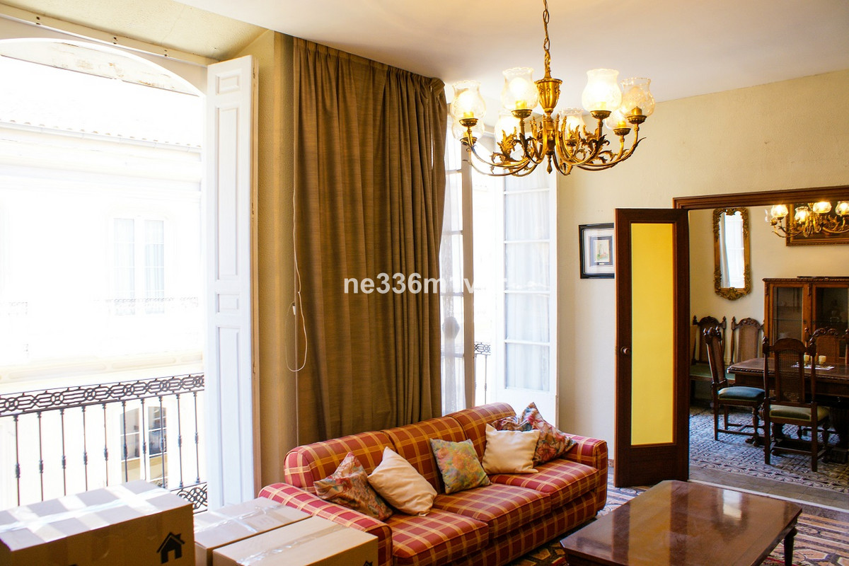 SPECTACULAR HISTORICAL FLAT IN THE HISTORICAL CENTER!  A unique apartment for sale in the center of , Spain
