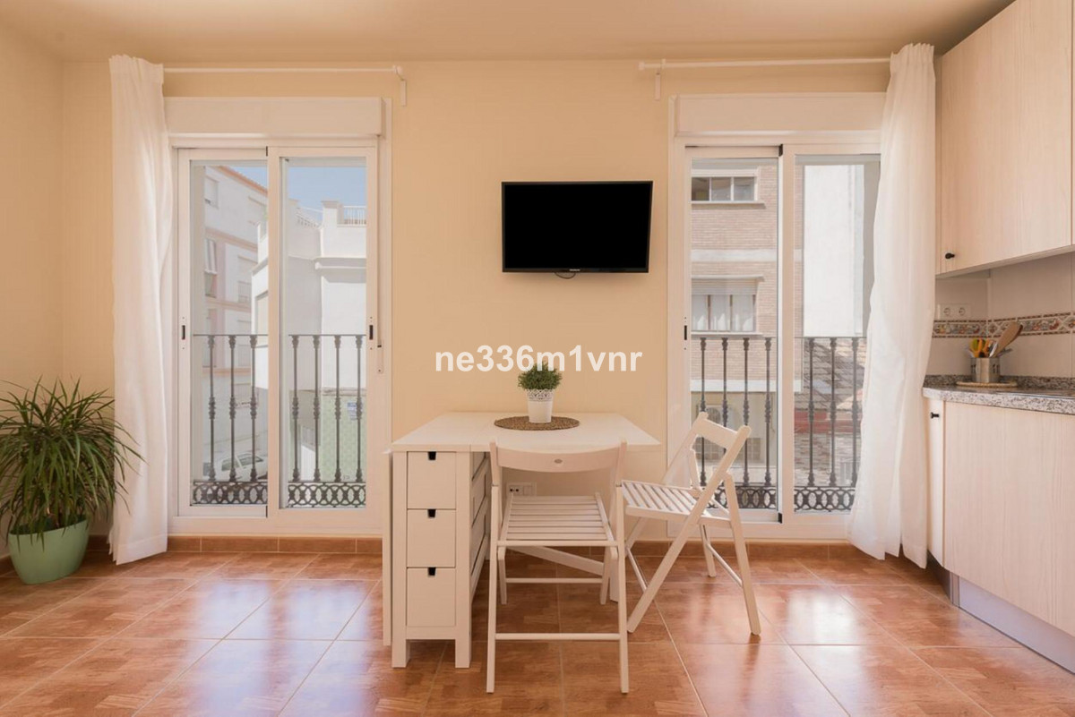 The property consists of 30 meters built, large studio very bright with 2 large windows, is fully eq,Spain