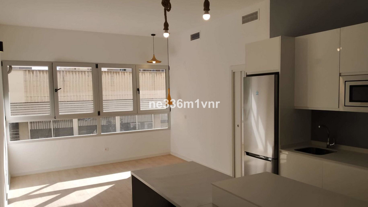 """BRIGHT APARTMENT NEXT TO THE CENTER OF MALAGA!  The property consists of 55 m2 distributed in , Spain"