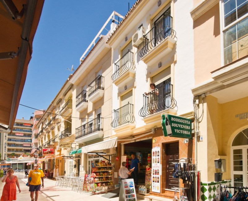 Amazing investment opportunity in the heart of La Carihuela.  Entire building is for sale including ,Spain