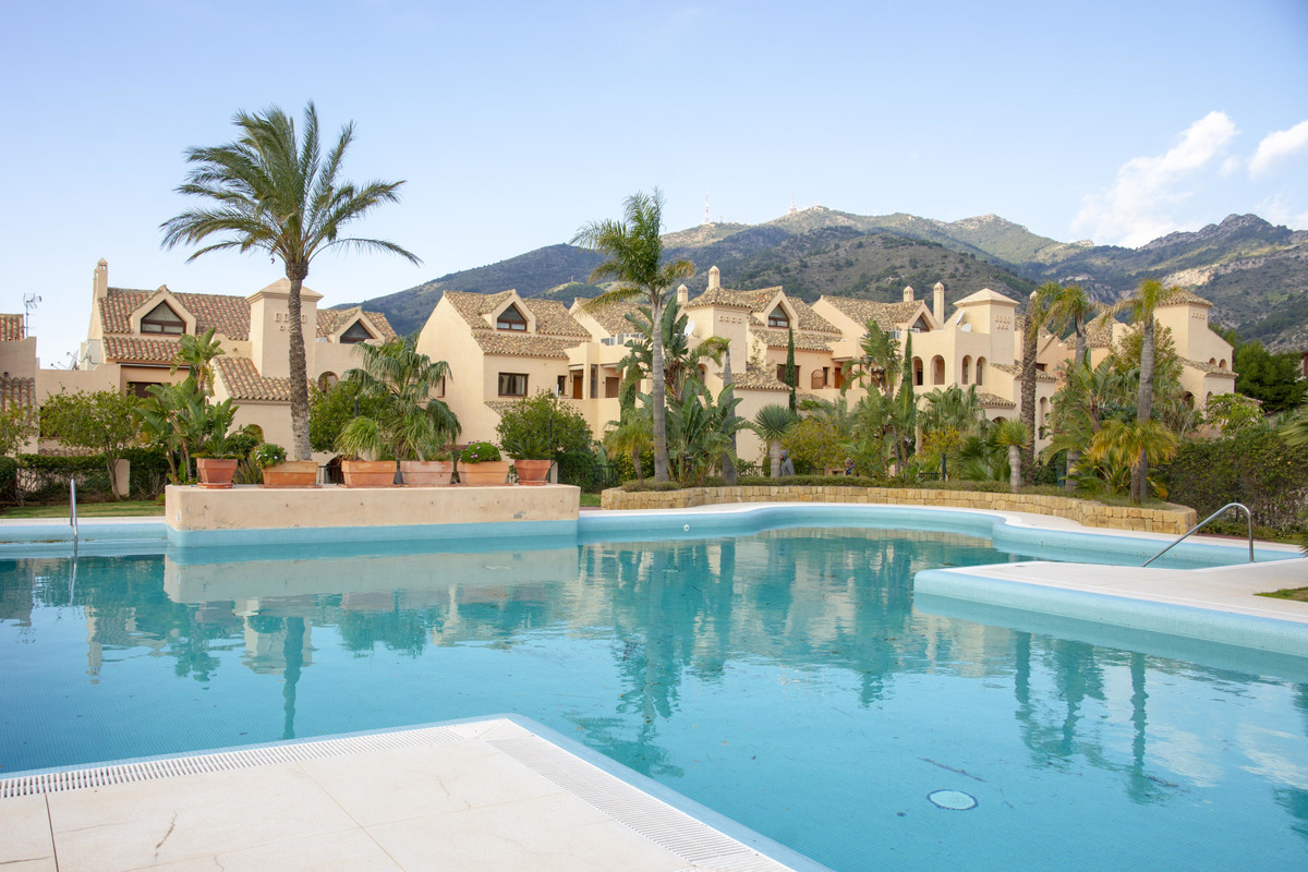 Located in a peaceful area above the centre of Arroyo de la Miel, this beautiful high end one bedroo, Spain