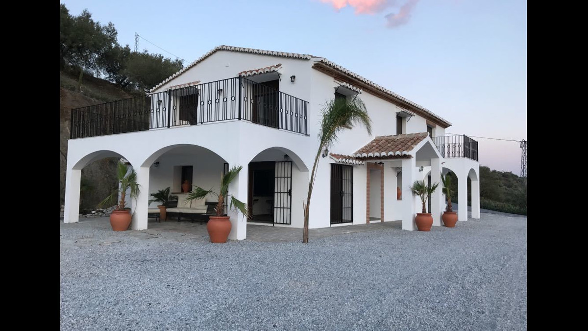 Fully renovated classical Andalucian farmhouse with new terrace extensions, garden and swimming pool,Spain