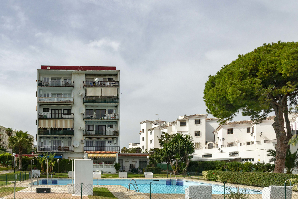 We are pleased to offer this very spacious one bedroom second floor apartment surrounded by lush, me, Spain