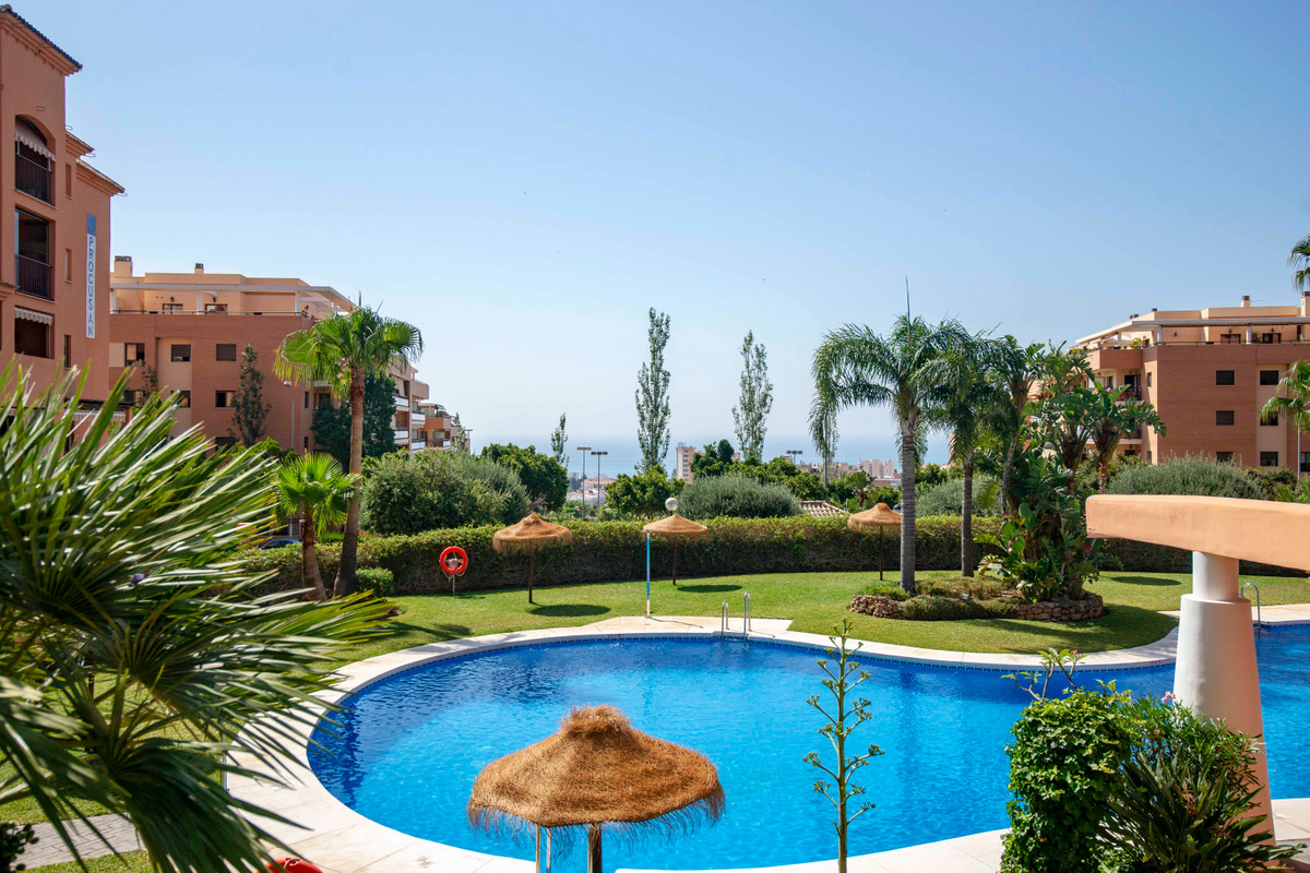 Beautifully presented luxury penthouse with panoramic sea and mountain views. Generously proportione, Spain