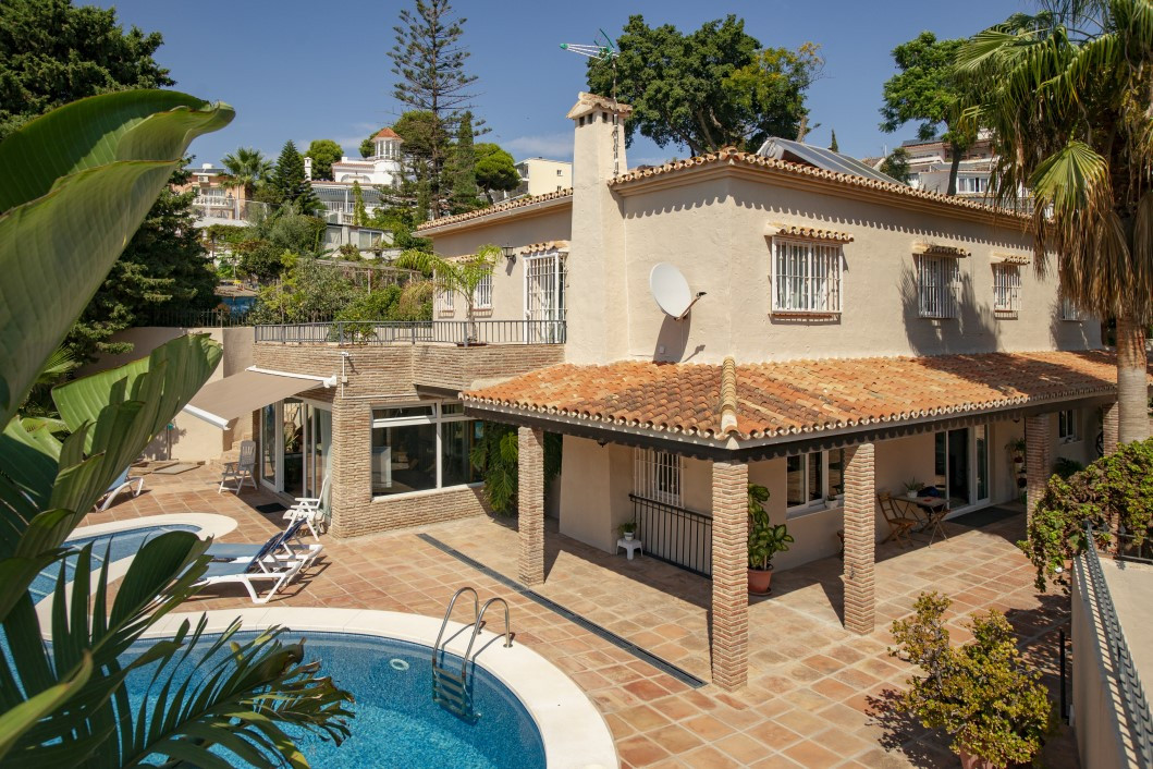 Grand Villa remodelled to suit the modern family. Spacious receptions invite living in a relaxed and,Spain